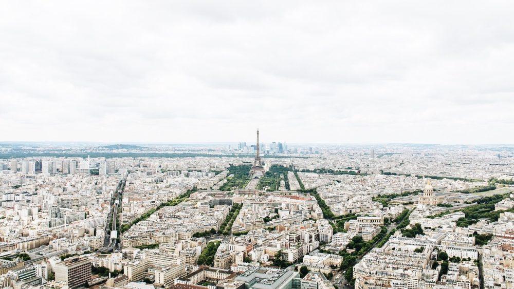パリの街の空撮