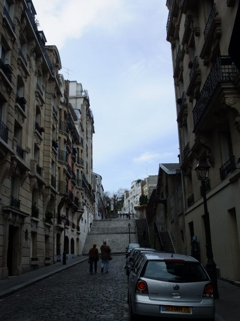パリ ソル通りの階段