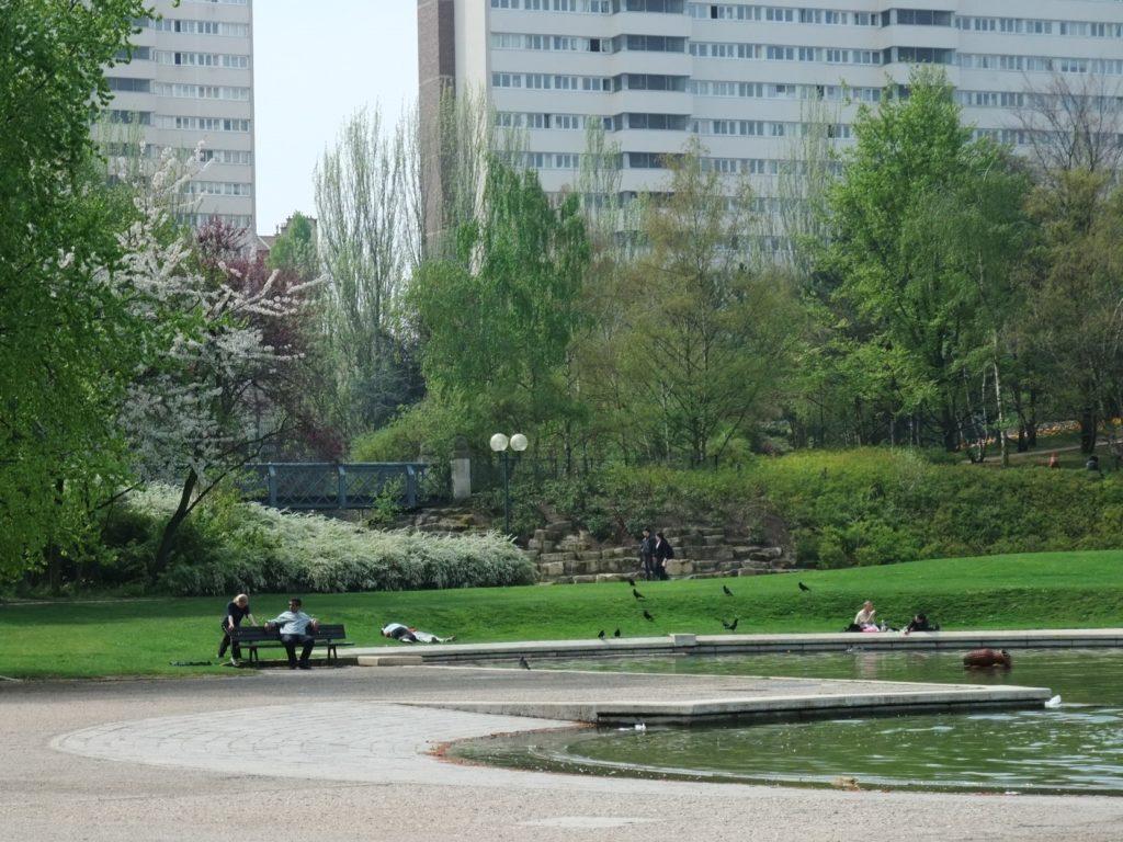 ジョルジュ・ブラッサンス公園の池