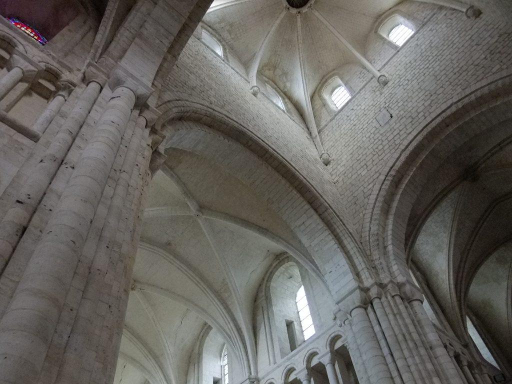 サン・ジョルジュ・ド・ボシェルヴィル修道院 内部天井