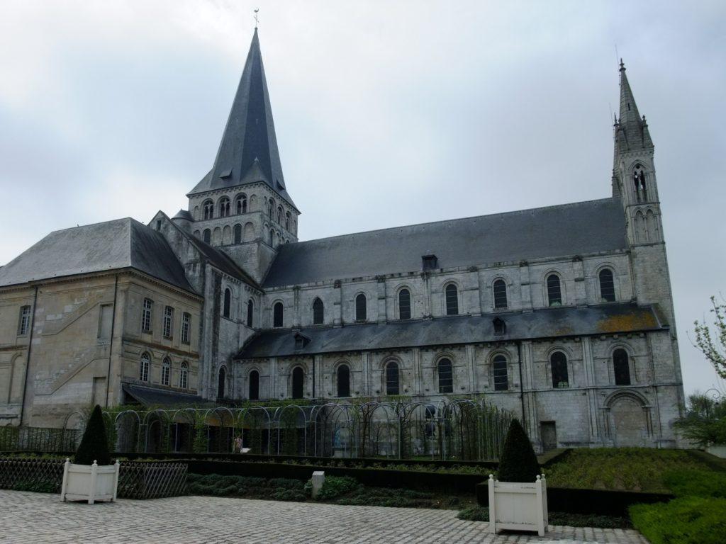 サン・ジョルジュ・ド・ボシェルヴィル修道院 教会の側面