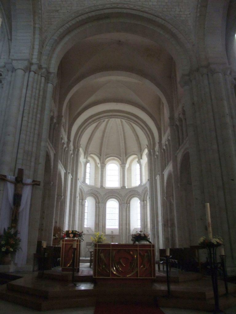 サン・ジョルジュ・ド・ボシェルヴィル修道院 主祭壇