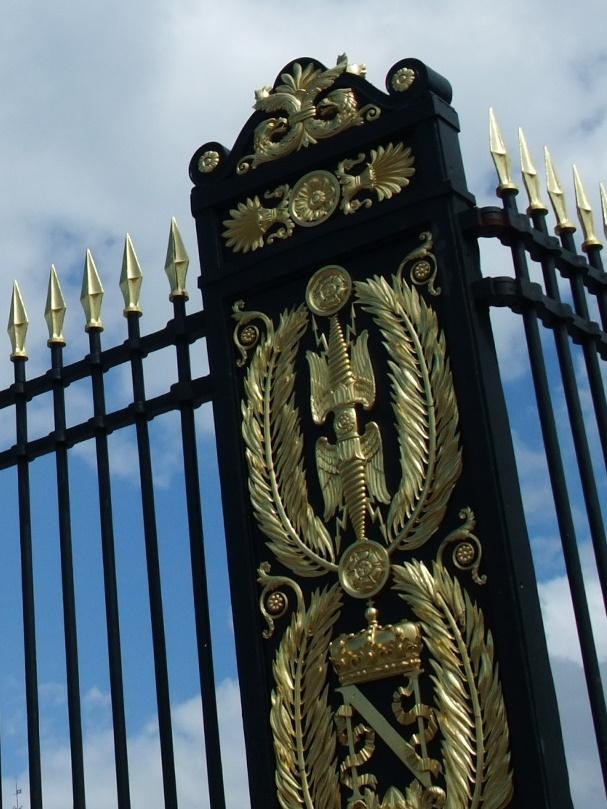 フォンテーヌブロー宮殿の栄誉の鉄格子門ナポレオン