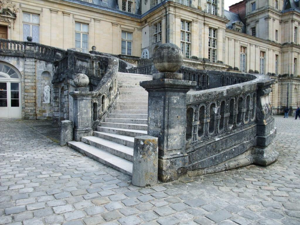 フォンテーヌブロー宮殿の馬蹄形階段