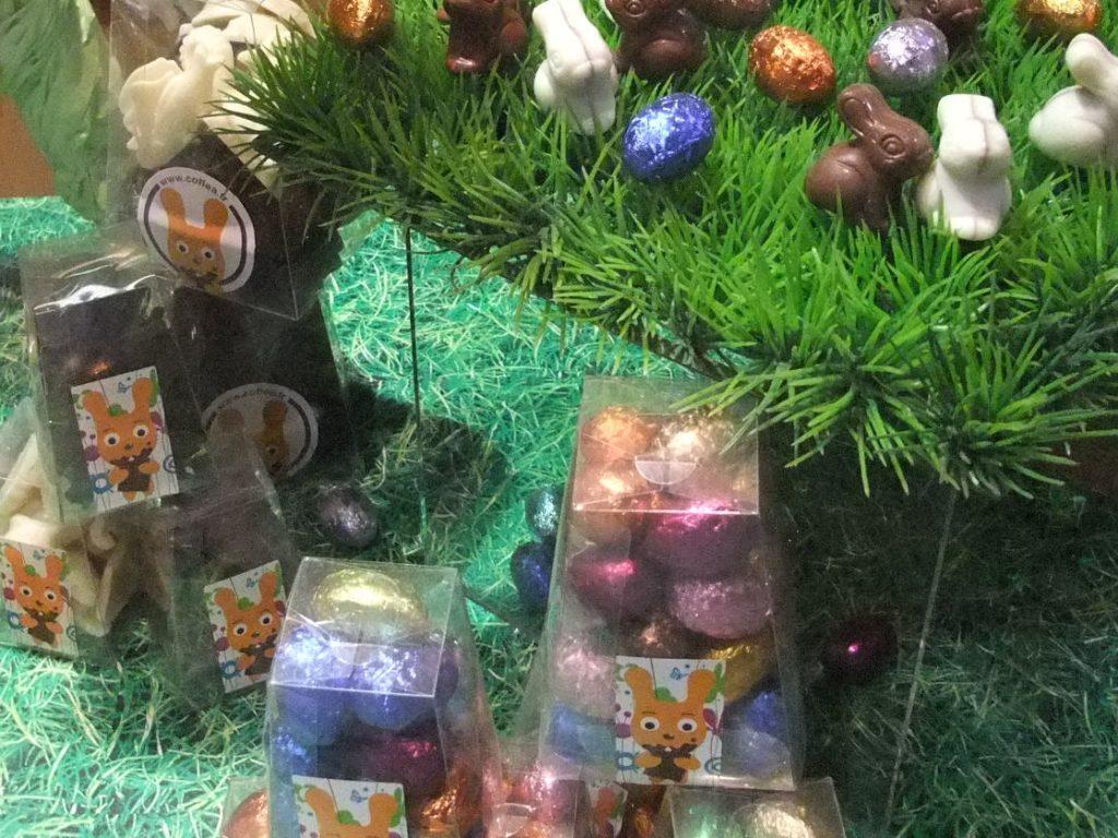パリ 移動祝祭日パックのうさぎと卵のチョコレート